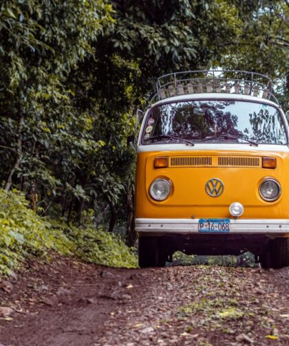 gelber VW Bus